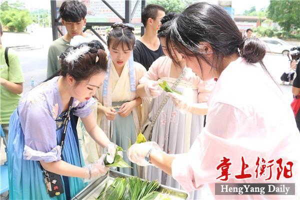 湖南高鐵職院繽紛國學活動慶端午